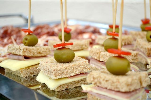 כריכי גבינה וזית